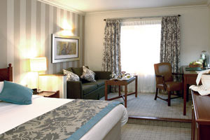 Paultons Park budget and luxury hotels
